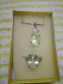 Emerald set