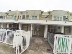 Ground Floor Townhouse Pearl Villa at Bandar Saujana Putra