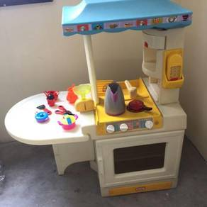 Little tikes kitchen kids