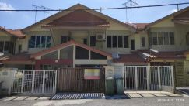 Near to Mall! Town House in Taman Amansiara, Rawang, Selangor