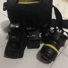 Nikon D5200 with Lens & Speedlight SB600