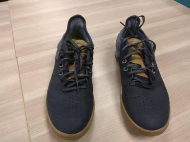 Kipsta futsal shoes