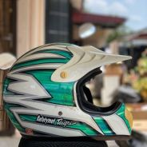 Helmet motorcross untuk dijual