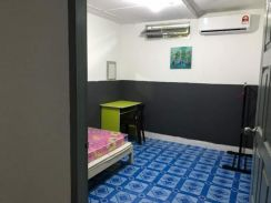 Air cond room for rent