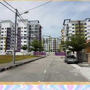 Lapangan perdana Condominium in Town
