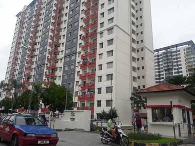 Vista Pinggiran Apartment Seri Kembangan 815sqft Good Condition