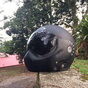Helmet avex topgun tiptop condition