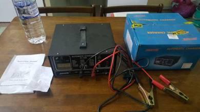 Pengecas bateri kereta 12v