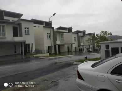 For sale below market value!! 2.5 sty bungalow tijani ukay, ampang