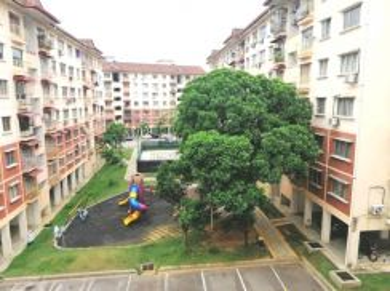 [NEAR MRT] Latan Biru Apartment Seksyen 8 with Lift Kota Damansara