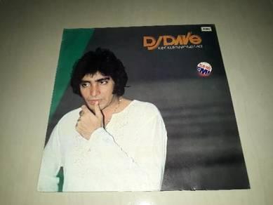 Piring hitam lp DJ Dave