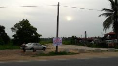 Tanah tepi jalan untuk disewa