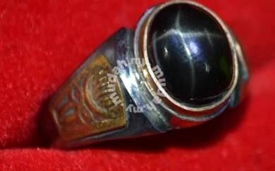 Cincin batu delima star hitam