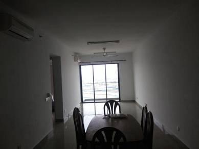 Apartment Univ 360 Place Condo Seri Kembangan UPM 3r2b