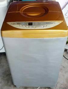 Mesin basuh automatik deewoo 8kg.