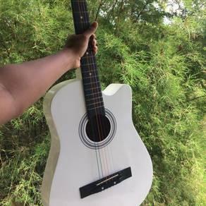 Guitar n gitar putih