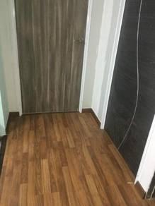 Laminate floor & vinyl floor