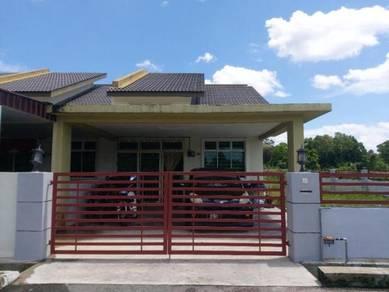 Rumah 1 Tingkat Di Taman Desa Bidara (FOC NEW A/C 1HP)