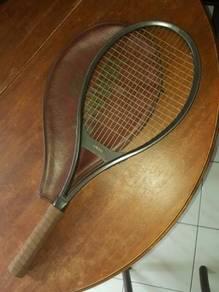 (B230) Vintage Yamaha Graphite 65 Tennis Racquet