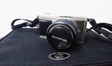 Olympus Pen E-P1 Camera (Warranty till 2019 March)