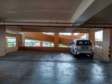 Plaza Rah Parking Lot for Rent
