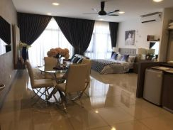 Brand new unit Molek Regency for sale