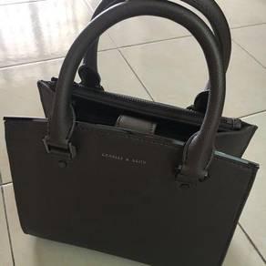 Hand bag/ sling bag