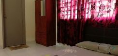 1 Room Availaible Now