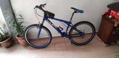 Bicycle (mountain bike)