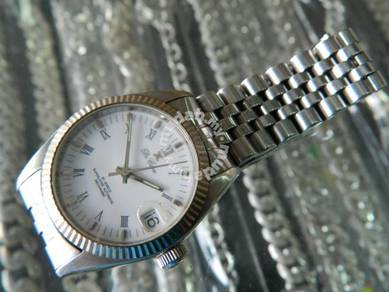 De Cave Swiss Watch
