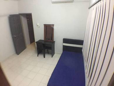 Medium Room Fully Furnished Suriamas Condo Near Sunway Pyramid, Subang