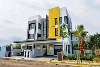 [Town Area] Freehold 8 Residence 3 Storey Gated&Guarded Ujong Pasir