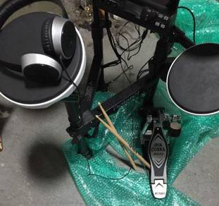 Roland TD 4 electronic drum set