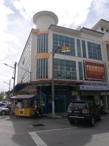 3 Storey Corner Shop at Bandar Meru Raya
