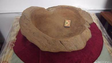 Antique natural cut decorative wooden antik bowl