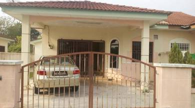 Semi-detached Single Storey House for Sale