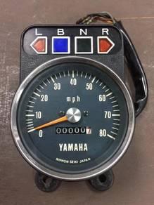 Yb100