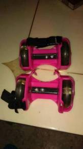 Heel roller skates for children