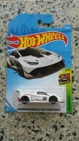 HotWheels Lamborghini Huracan Super Trofeo White