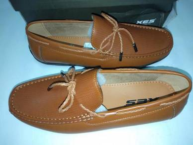 Kasut Loafer XES size 9uk Brown Color
