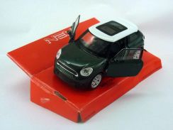 Mini cooper S paceman green w white top
