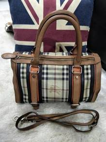BURBERRY Handbag 2 Way