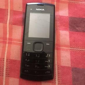 Nokia X2 (dual sim dan boleh masuk memory card)