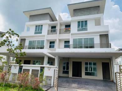 (CHEAP) 3 Storey Semi-D House Regency Parc , Saujana Rawang