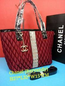 Beg tangan Chanel