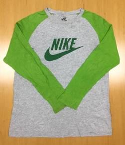 Nike L/Sleeve Tee #17 Used