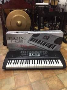 Techno Piano Keybord :T-8300i