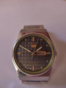 Seiko 5 Black Dial Angular Watch