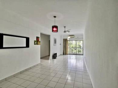Danga View Apartment 3 Rooms - Partly Furnished