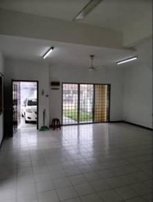 CORNER UNIT 2 Storey Terrace Tmn Putra Budiman Balakong Cheras